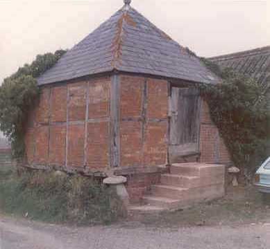 A granary at Burmington | Warwickshire County Council