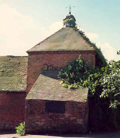 Dovecote at Weston Hall Farm, Weston under Wetherley | Warwickshire County Council