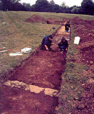 Excavation of a structure within the moat at Leek Wootton | Warwickshire County Council