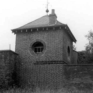 Gazebo at Oldbury Hall, Hartshill