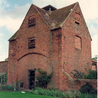Dovecote at Packington Old Hall | Warwickshire County Council