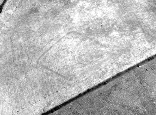 An enclosure visible as a cropmark in the Dunchurch area | WA Baker