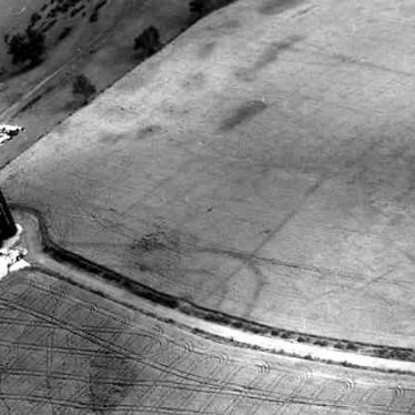 A Roman fort visible as a cropmark at Lower Oversley Lodge | WA Baker