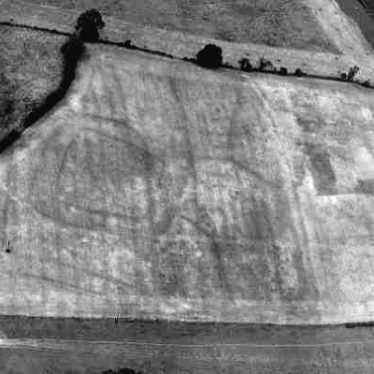 A double-ditched enclosure, possibly a settlement, visible as a cropmark west of Barford | WA Baker