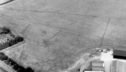 An enclosure and a linear feature, visible as cropmarks, in Long Lawford | Warwickshire County Council