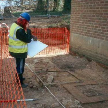Excavation of a Post Medieval house in Priory Park | Warwickshire County Council