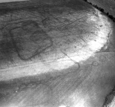 A Roman settlement visible as a series of cropmarks to the north west of Welford on Avon | WA Baker