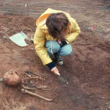 Excavation of an Anglo Saxon cemetery at Bidford on Avon | Warwickshire County Council