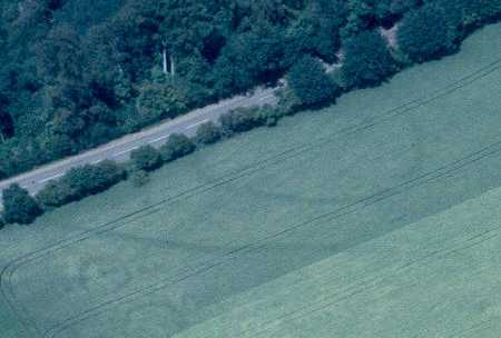 An enclosure, ring ditch and linear features near Ratley | Warwickshire County Council