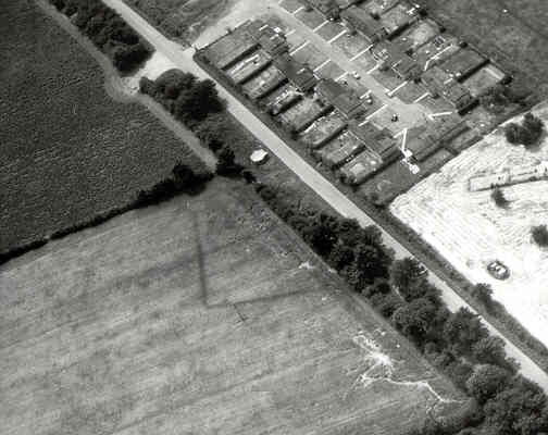 An enclosure and linear feature visible as a cropmark to the east of Clifton upon Dunsmore | WA Baker