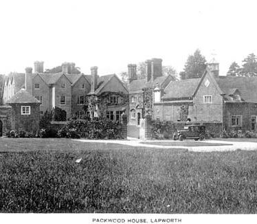 A view of Packwood House, Lapworth | Warwickshire County Council