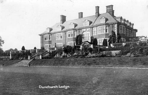 A view of Dunchurch Lodge and its gardens | Warwickshire County Council