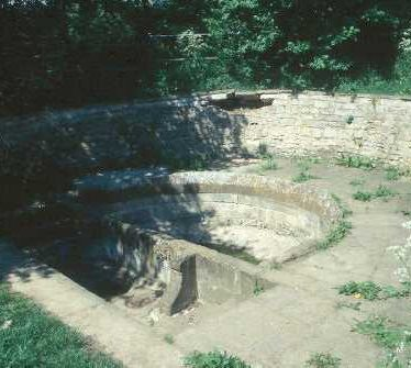 Holy Well 800m W of Southam Church