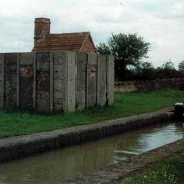 A Second World War pillbox on the Oxford Canal at Napton on the Hill | J Brace