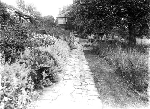 A view of the gardens at Avonside House, Bidford upon Avon   Warwickshire County Council