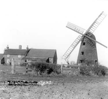 A view of the windmill at Napton on the Hill | Warwickshire County Council