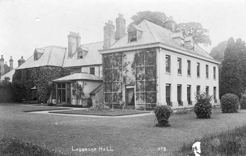 A view of Ladbroke Hall and grounds | Warwickshire County Council