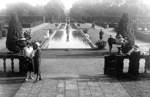 A view of the gardens at Moreton Paddox House in the 1920s | Warwickshire County Council