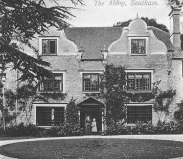 The Abbey (Southam villa group)