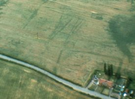 Cropmarks revealing the site of a settlement, Hampton Lucy | Warwickshire County Council