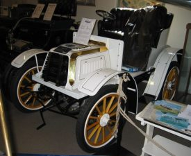 A restored example of a Regal car, circa 1903. | Image courtesy of Buch-t. Own work, Public Domain,