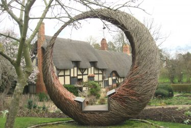 Anne Hathaway's Cottage Jigsaw Puzzle (120 Pieces)