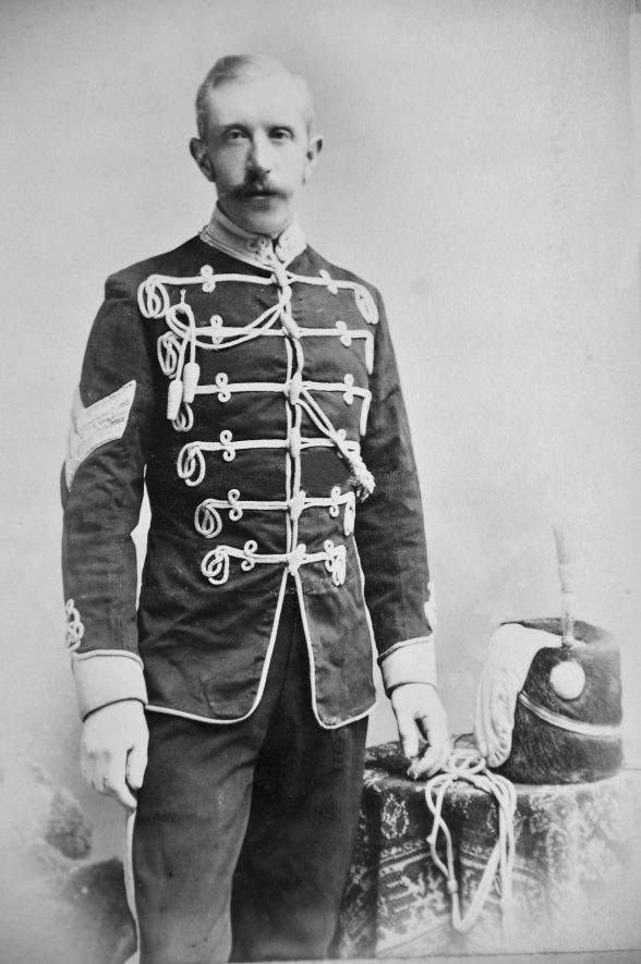 Arthur Street of Kenilworth in his Warwickshire Yeomanry uniform. | Image courtesy of Henry Street