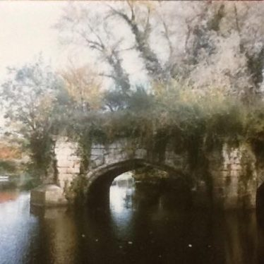 Old Castle Bridge | Image courtesy of Robert Woolford