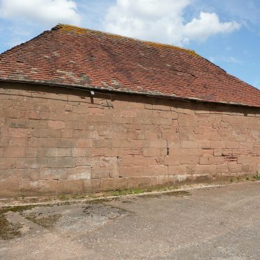 Agricultural building on opposite side of road to Cryfield Grange, Stoneleigh. Ashlar constructed the other side is brick. It looks ancient but probably isn't, possibly being built to be disguise its use as an agricultural building in imperial period when viewed from the high status domestic building. | Image courtesy of William Arnold