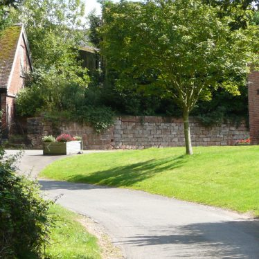 Stone walling at site the portion to the left at Cryfield Grange, Stoneleigh, appears to be older or more original than that to the left. 2017. | Image courtesy of William Arnold