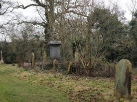 St Giles churchyard, Packwood. An area which is not too neat and tidy, but left alone to encourage wildlife. | Image courtesy of Caroline Irwin