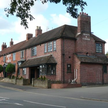 Queen and Castle hotel, Castle Green, Kenilworth. 2017. | Image courtesy of William Arnold