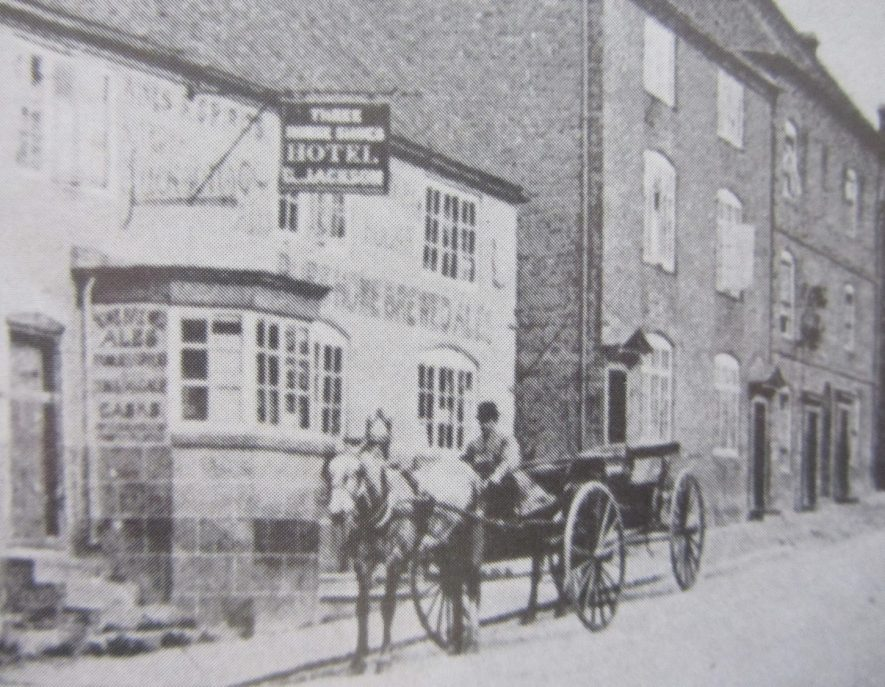 Coleshill. Three Horseshoes public house, High Street. | Image courtesy of the Rosie Mayer collection