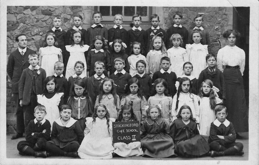 Stockingford. C of E School, c.1910. | Image courtesy of Nuneaton Memories