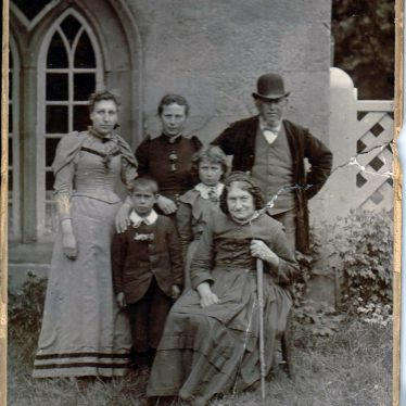 Mystery Nuneaton Photo. | Image courtesy of Nuneaton Memories