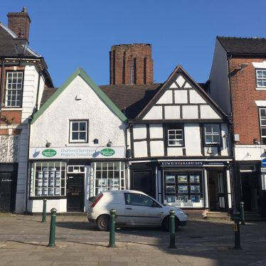 15 Market Place, Atherstone, grade II listed building