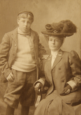 Annie and Raymond, Woodstock Ontario, c. 1908. | Image courtesy of Ontario Archives, reference C 176-0-0-14