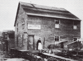 Cobalt Hospital, 1906. | Image courtesy of Peter Fancy: Temiskaming Treasure Trails Vol. 3 p.99
