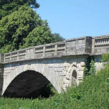 John Rennie's bridge at Stoneleigh Abbey, 2018. Rusticated stone bridge with ballustrades | Image courtesy of Anne Langley