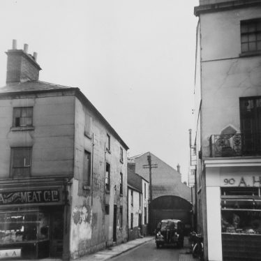 View of Livery Street leading to Regent Garage, 1956 | Photograph by Courier Photographic Services, courtesy of the Leamington Courier. Warwickshire County Record Office reference CR4014/192