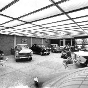New Regent Garage showroom on the Parade in Leamington Spa, Dec 1959 | Warwickshire County Record Office reference CR4014/192