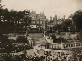 Easton Lodge during the lifetime of Daisy. | Image supplied by Adam Busiakiewicz, from the Warwick Castle collection.