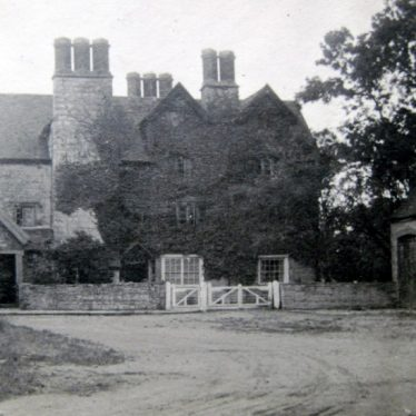 Bickmarsh Hall, near Bidford on Avon. 1940s. | Image courtesy of Joan Broscomb
