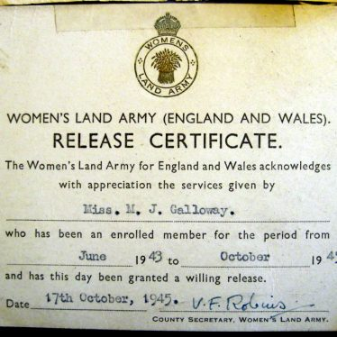 Women's Land Army release certificate. | Image courtesy of Joan Broscomb