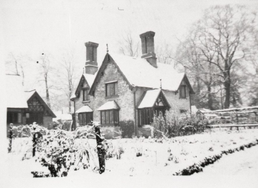 Photograph of Old School House, Sherbourne, 1947. | Warwickshire County Record Office reference PH1035/B6921