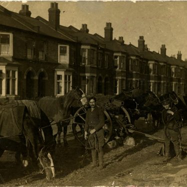 Troops and horses from the Royal Field Artillery in Greatheed Road | Image courtesy of Leamington Spa Art Gallery & Museum