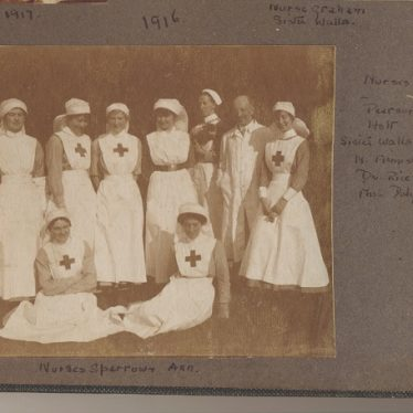 VAD nurses and a doctor at the Warren hospital | Image courtesy of Leamington Spa Art Gallery & Museum