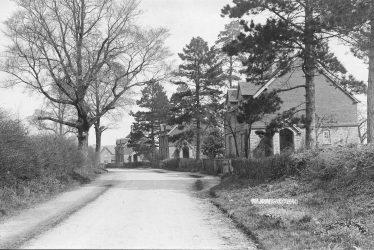 Hunningham.  Almshouses