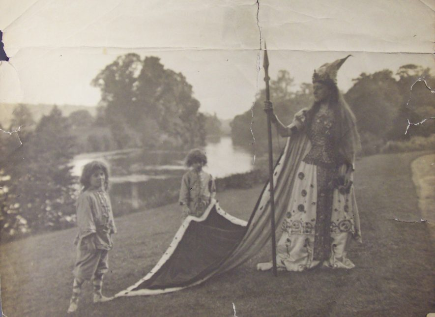 Ethelfleda at the Warwick Pageant, 1906. | Warwickshire County Record Office reference PH1035/C4753