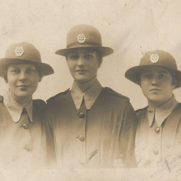 Ladbroke. Dora Baker and two comrades in arms, 1917-18. | Image courtesy of Jo Lowrie